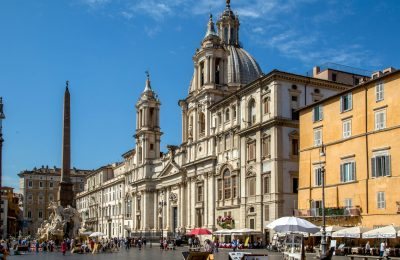 Walk around Piazza Navona